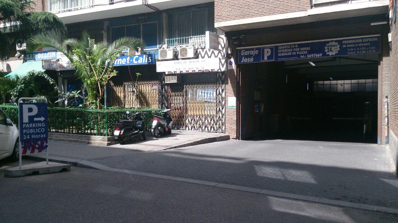 San Delfín, 4 · Garage José